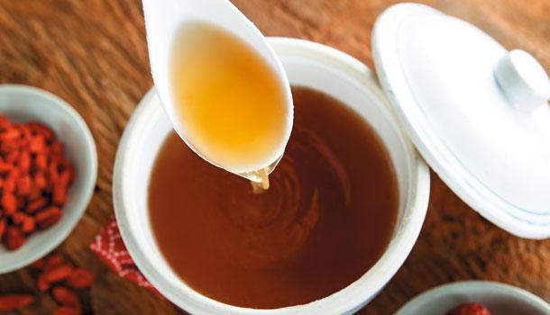 滴雞精PK雞精、雞湯,哪個比較營養?