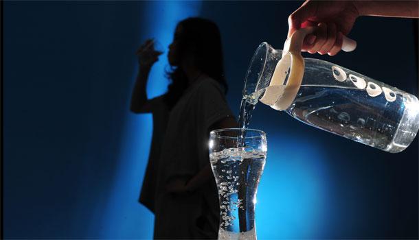 別等到口渴才喝水!正確喝水的8個小常識 - 康健雜誌