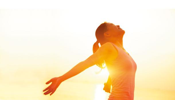 快出去曬太陽!包太緊、過度防曬讓你缺乏維生素D