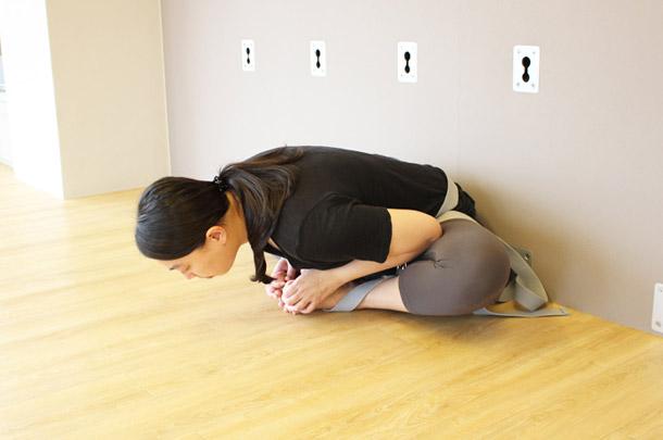 瑜伽蝴蝶式缓解生理痛