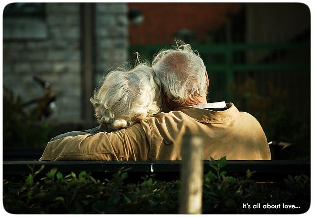 不愛自己的人,無法去愛別人或被別人所愛