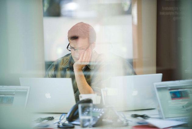 辦公室內有個EQ低的同事,該怎麼跟他相處?