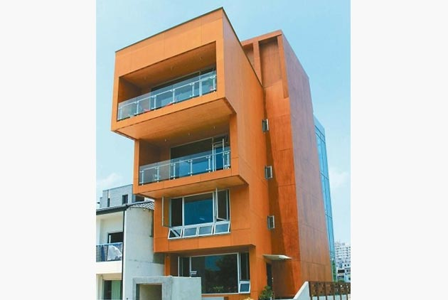 全台唯一「木建築」大樓 5樓20天蓋好