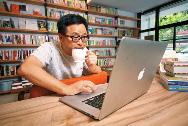 數位實用主義 羅文嘉靠網路找水牛書店落腳處