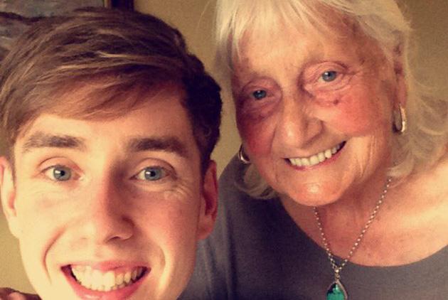 英國曼徹斯特超有禮貌的老奶奶