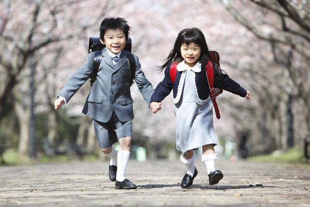 日本從小一就不接送