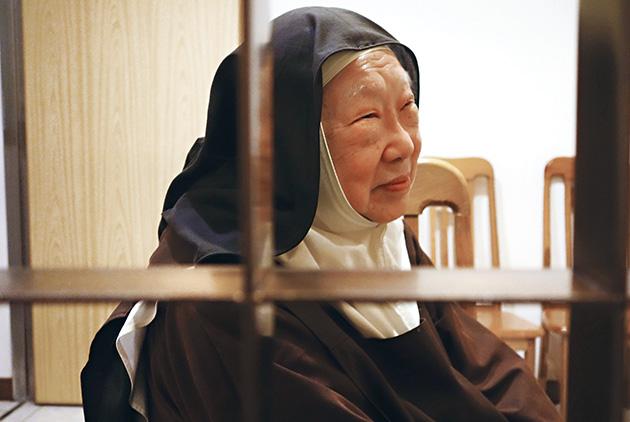 修女保拉姆姆:讓「自我」的王國倒塌
