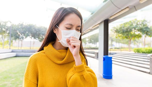 感冒初期喉嚨癢又咳?醫師:不適合吃枇杷膏!