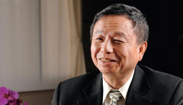 楊志良73歲的養生祕密,竟藏在他的背包裡!