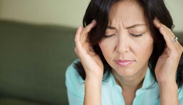 熟齡族出現劇烈頭痛?建議盡速就醫!