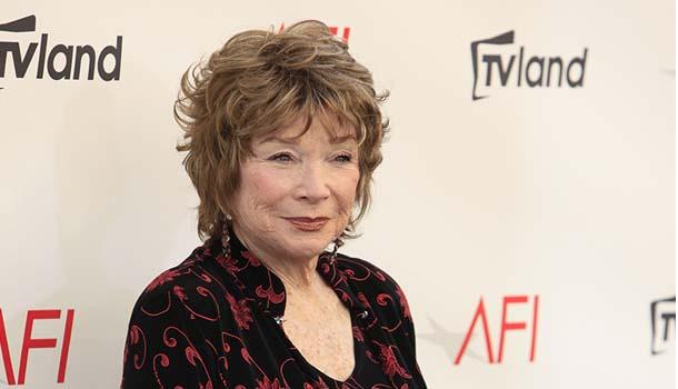 「我是我自己」好萊塢明星82歲莎莉麥克琳,永遠活躍的秘密