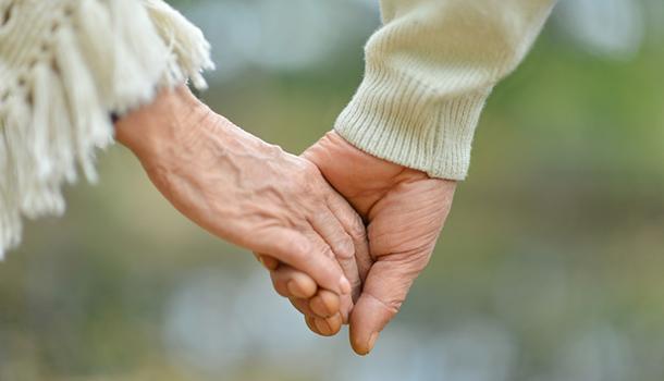 感人故事!老翁投稿愛妻離世前的「七日願望」
