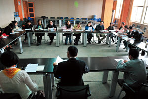 上海建平中學西校-打開教室大門,老師一起練功
