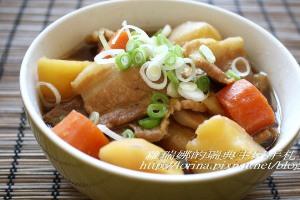 一定要會的日式小吃~馬鈴薯燉肉