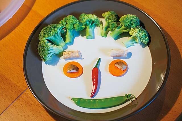 Selena:用食物當油彩的創意遊戲