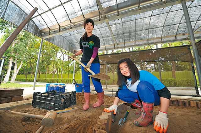 桃園農工:實境教學,校內就有水田