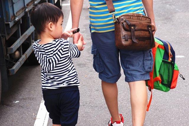 │育兒│第一次放開孩子的手,小孩的適應能力比想像中堅強