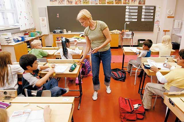 新鮮事/芬蘭取消草寫課,改教打字