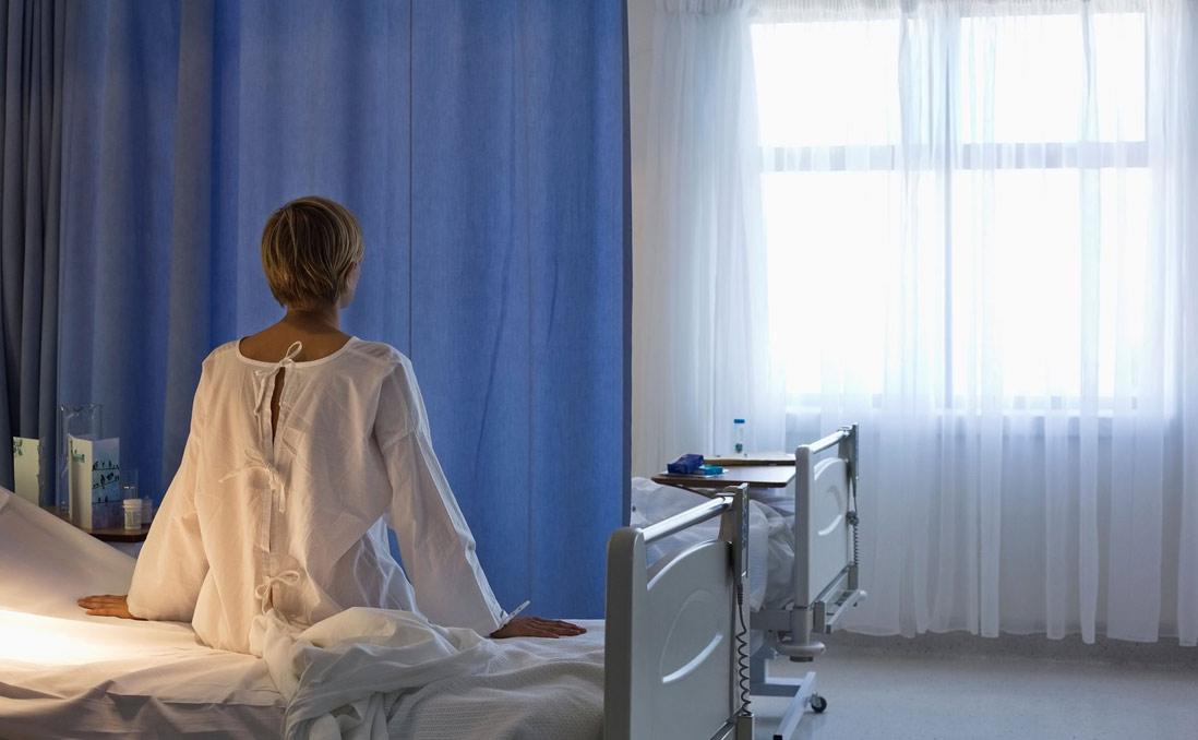 急診床位不足,Airbnb借你當病床──英國醫療的「突發奇想」,是對症下藥還是治標不治本?