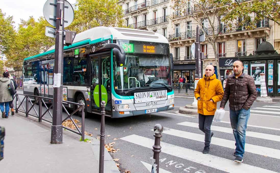 【作者通信】當法國公車司機拒絕「不禮貌」的乘客搭車,卻被稱為「法國人玻璃心」──談談「歧視」和「文化差異」的誤區