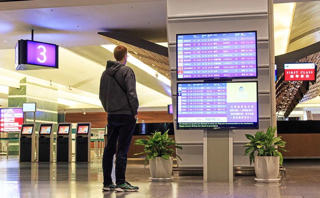 同工不同酬、非理性崇洋,台灣成為「弱勢西方人」的海外最佳「避風港」?