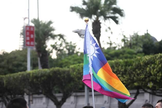 台灣展開同性婚姻之辯      《經濟學人》:鼓舞人心