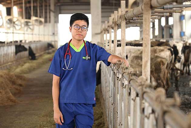 牛醫師賣牛奶 小農鮮乳出頭天