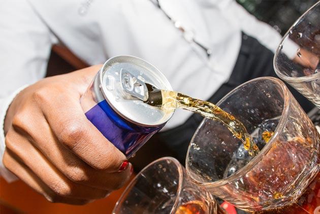能量飲料喝了會怎麼樣?