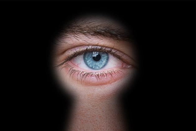 背後靈 為什麼你感受到背後有人在看你?