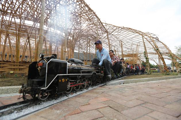 哈瑪星鐵道文化園區 隨著火車軌跡懷舊漫遊
