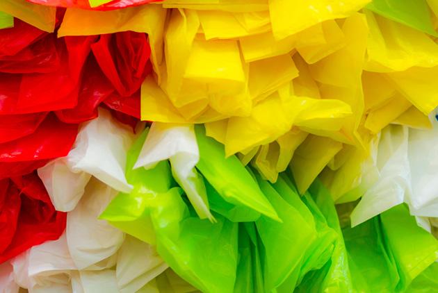 全球減塑風 所有塑膠袋都要收費 英國25年後變無塑之國