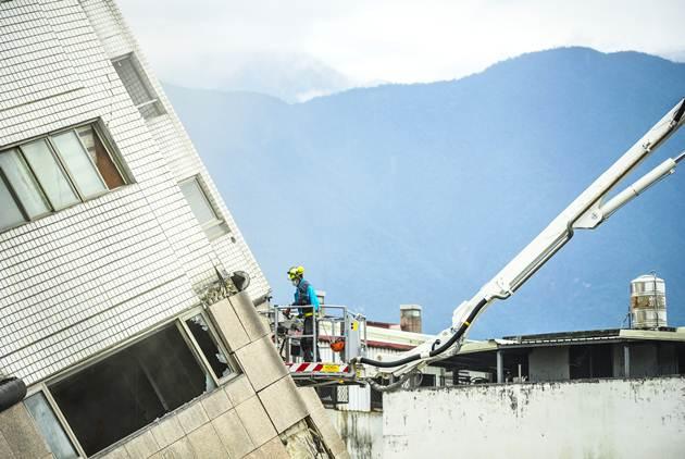 台灣地震為何倒的多是14樓以下的大樓?