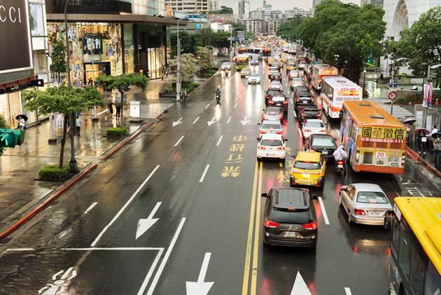 台灣人口大變動:老人比小孩多,死亡比出生多