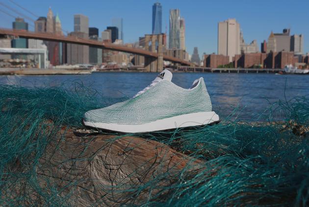 世界首雙海洋垃圾回收鞋材 原來在桃園觀...