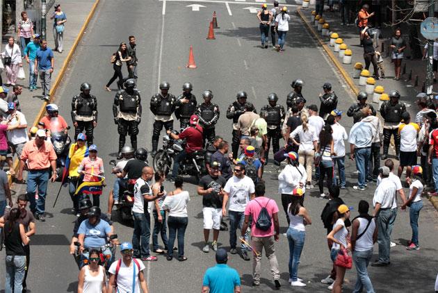 人民怒喊「我要食物!」 委內瑞拉怎麼會走到這一步?