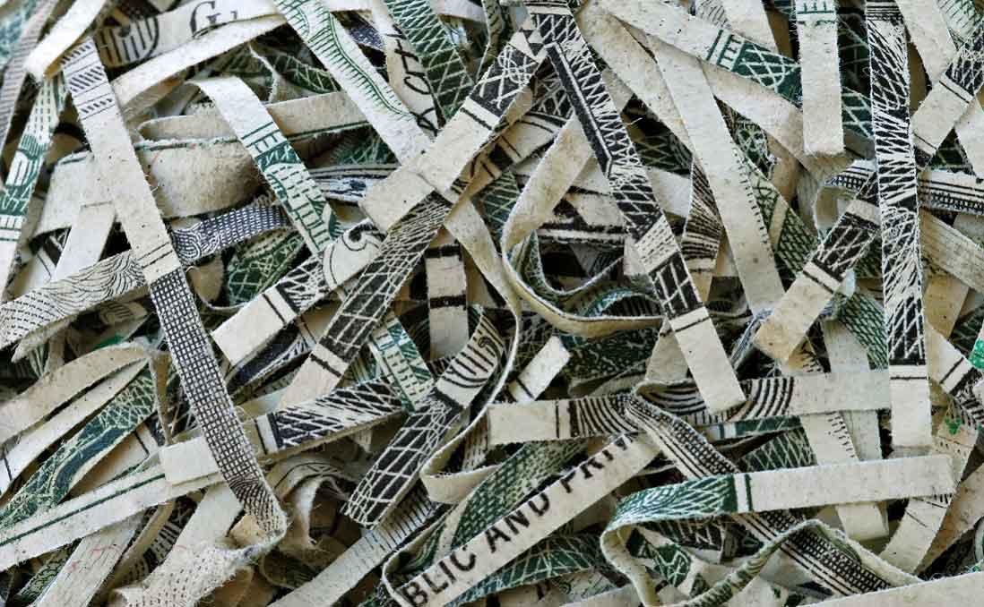 西班牙街頭的「垃圾桶尋寶」,讓我反思全球消費主義
