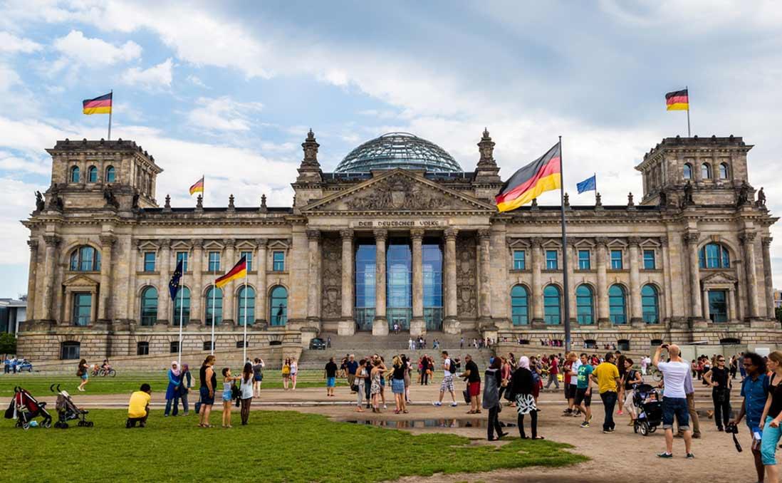德國國會天花板上的四艘船,與紅樓夢