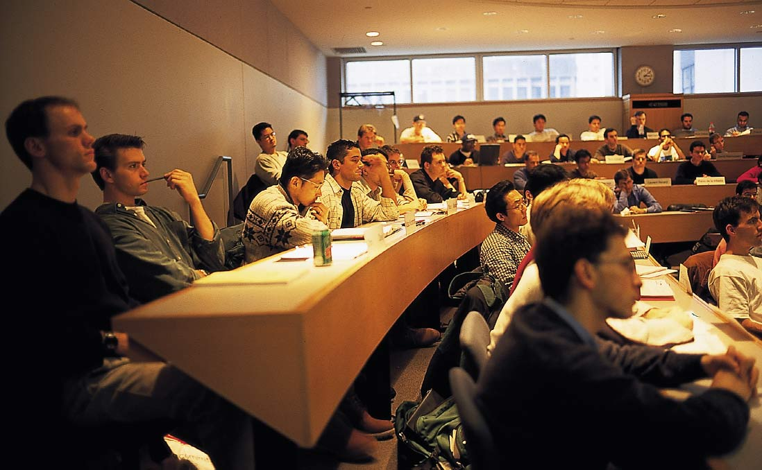 台灣博士被迫西進變成「學術移工」?事實上,美國博士在美國同樣辛苦