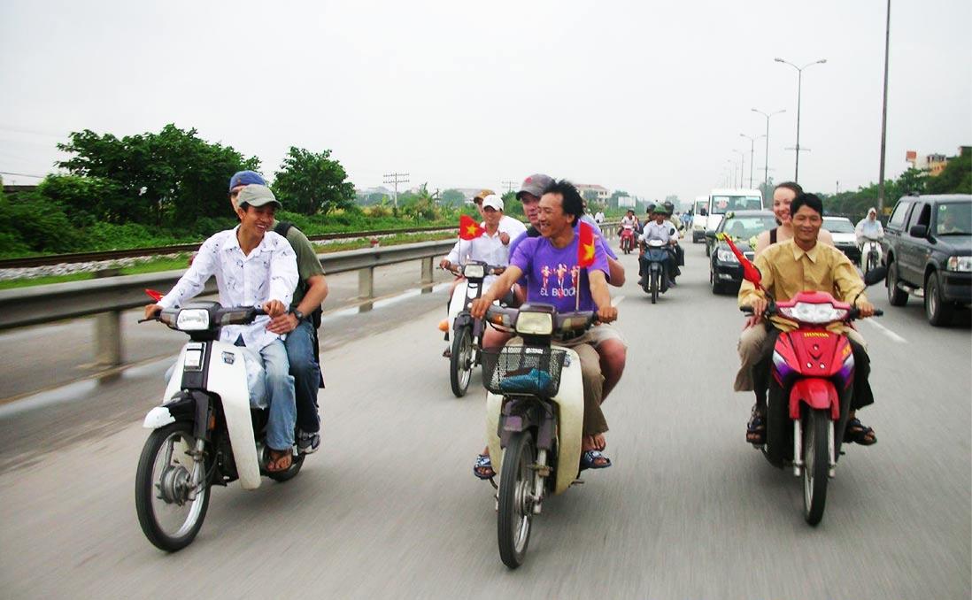 「你會講越南話,就是自己人,」在順化,三位大哥帶我認識不一樣的越南