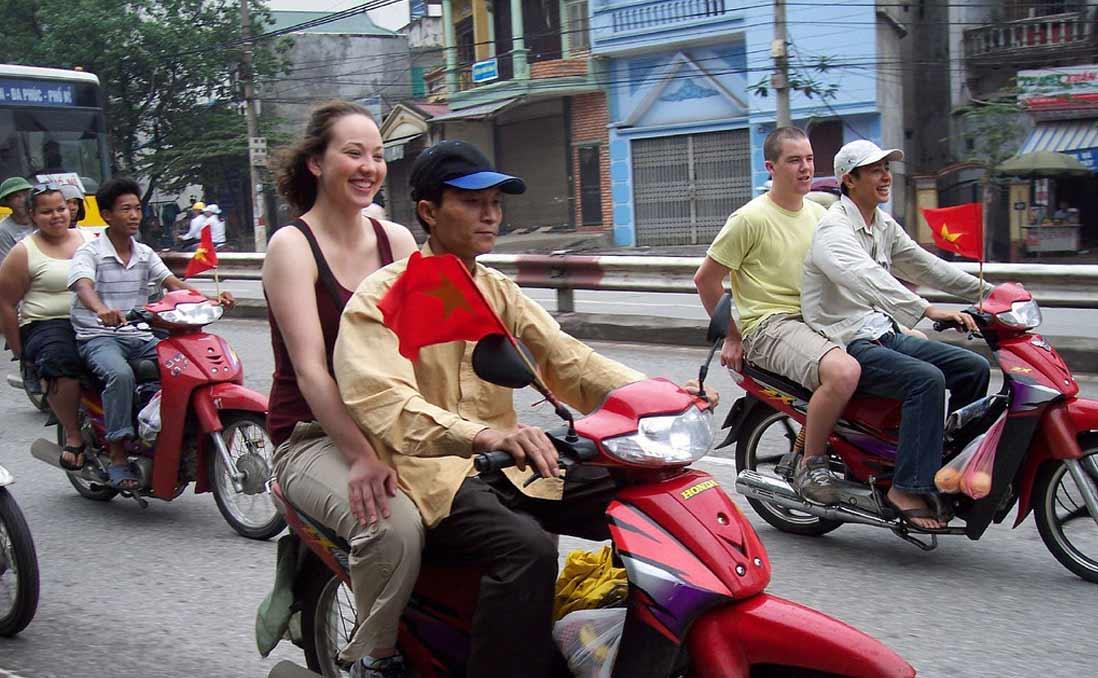 我在順化被越南大叔「撿回家」,才發現高手在民間