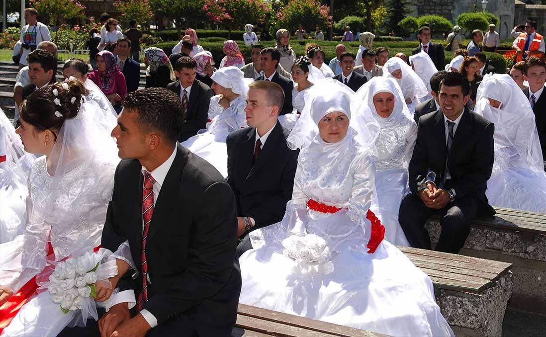 一杯咖啡決定一生,一條紅絲帶決定價值──土耳其的愛情,從婚姻開始?