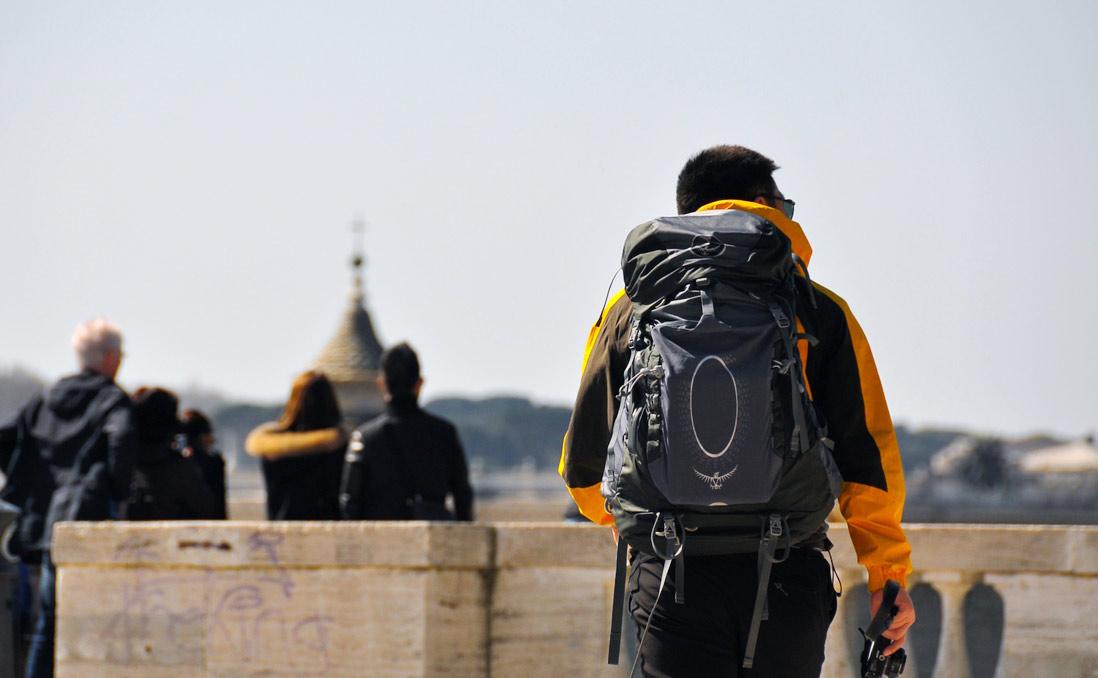 17歲,踏上遊歷三十國的旅程──旅行中,我找到了自己