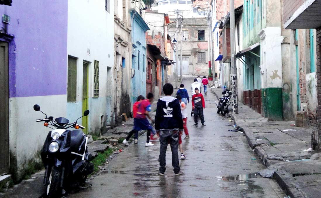喊救命卻被路人無視──歷劫哥倫比亞麥德林貧民窟