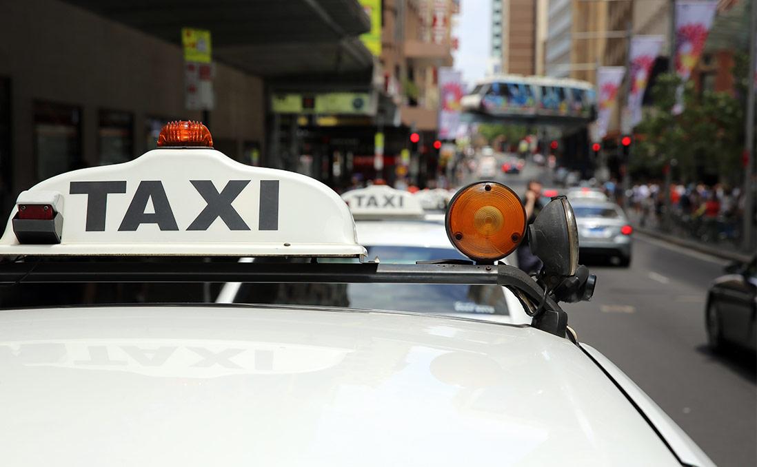 計程車、禮賓車、白牌車、Uber到底誰合法誰違法?台灣租賃車亂象多,澳洲怎麼做?