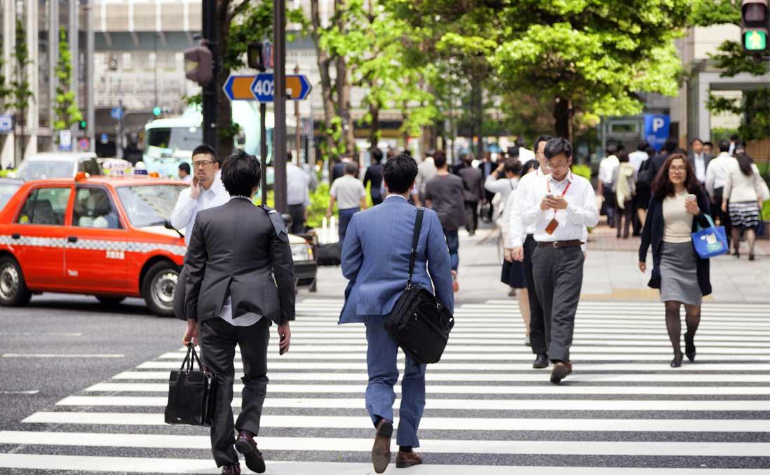 不再要求員工「忠心不貳」?──日本ROHTO製藥鼓勵員工兼差,好處是什麼?