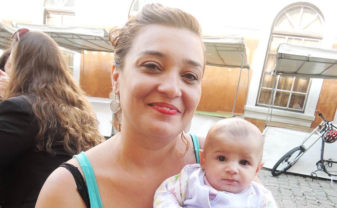 公開哺乳在巴西,美麗而驕傲的母親們