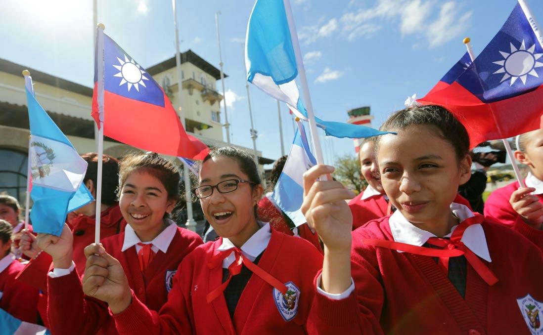 【與友邦之間,可以不只是金錢外交】瓜地馬拉:小學教室裡的「ㄅㄆㄇ」