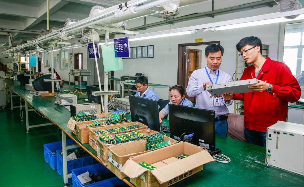 「台灣一條龍不倒,中國代工不會好」──產業變遷,台灣正面臨電腦代工「整盤被端走」的危機
