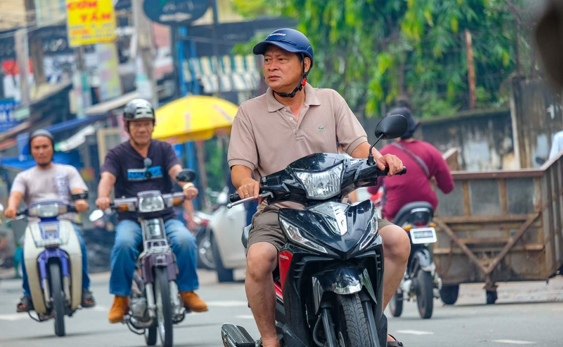 胡志明市生存第一課:學會如何「過馬路」